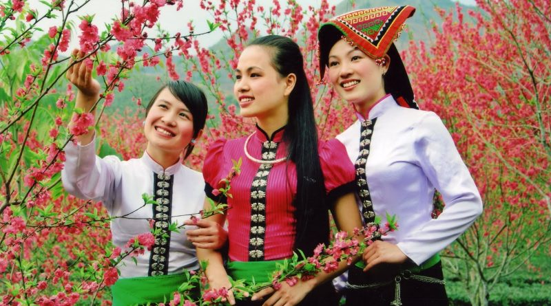 Khăn thổ cẩm dân tộc Thái – Vẻ đẹp trong tâm hồn Thái