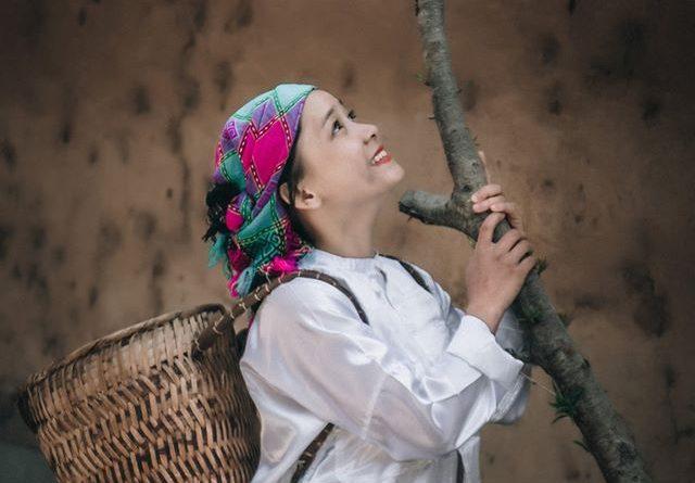 Vì sao dân tộc nào ở miền núi cũng dùng khăn thổ cẩm dân tộc Mông?