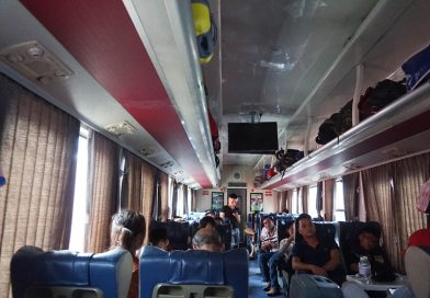 How long is the time from Danang to Hanoi by train