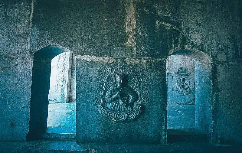 Cận cảnh điêu khắc ở nhà thờ Phát Diệm