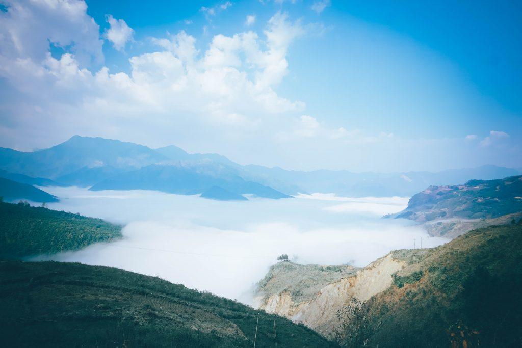 Biển mây ở Y Tý