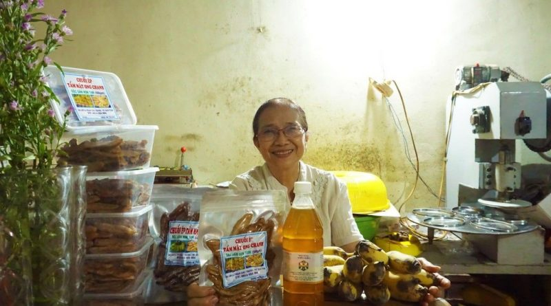Ms Trinh and her product